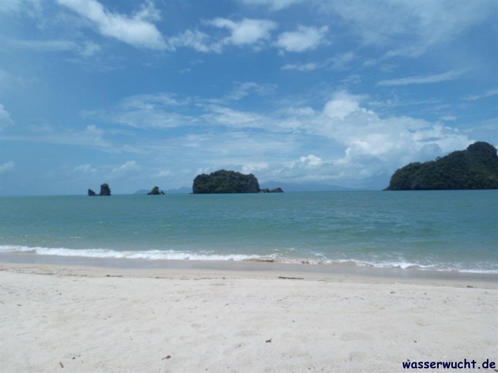 Am Strand Tanjung Rhu auf Langkawi