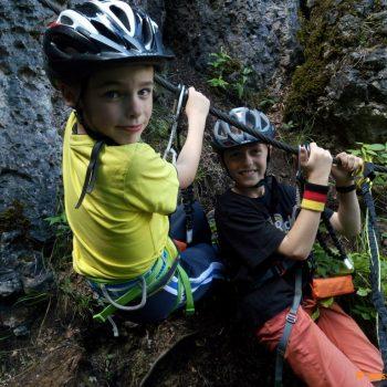 Tim und Erik im Seil auf dem Bambiniklettersteig Höhenglücksteig