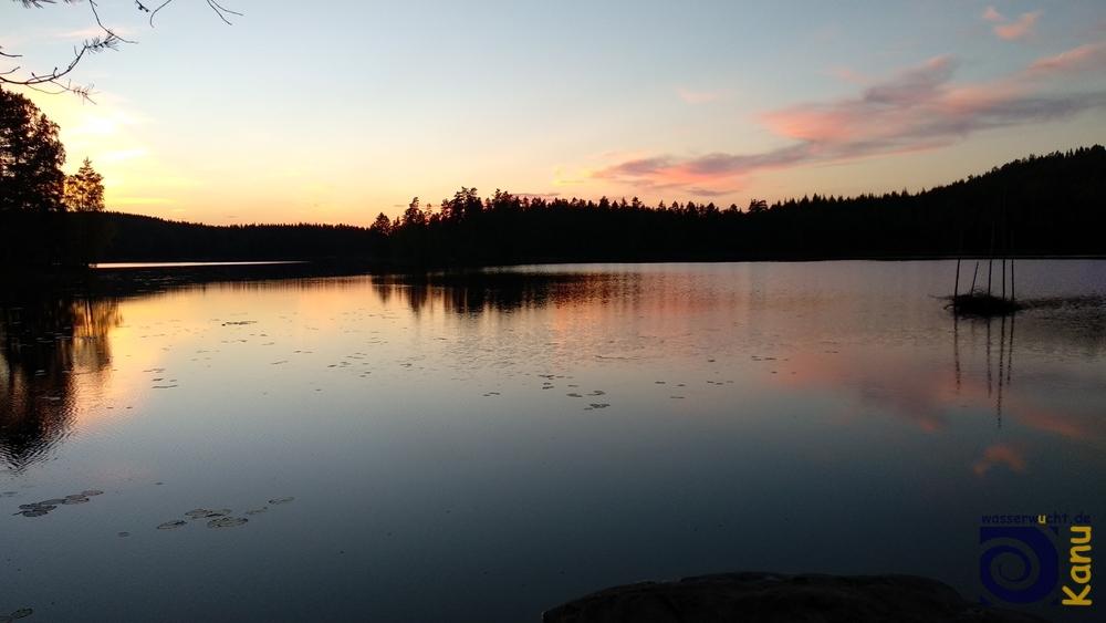 Abendstimmung am See, Schweden.