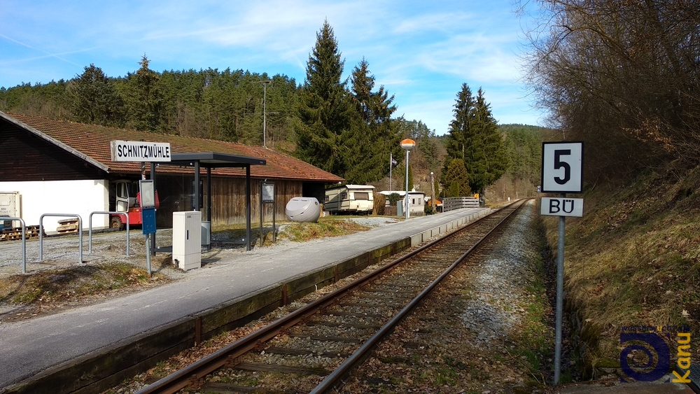 Das Fahrzeug wird mit der Waldbahn nachgeholt.